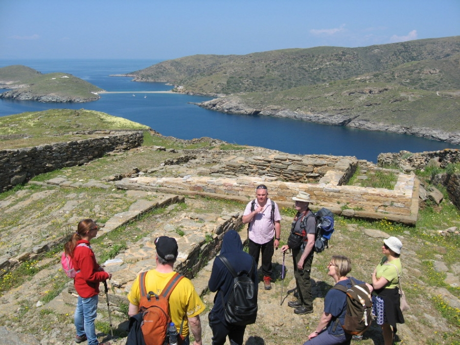 Kythnos Hiking eager to restart in summer; two more slideshows on website