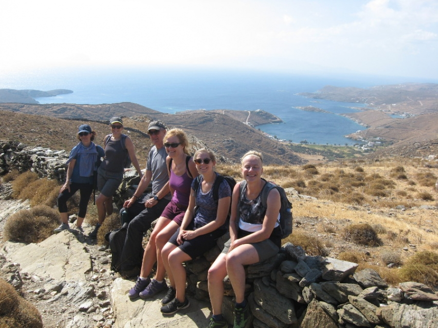 Virus stops April hiking on Kythnos, May uncertain; good availability in autumn
